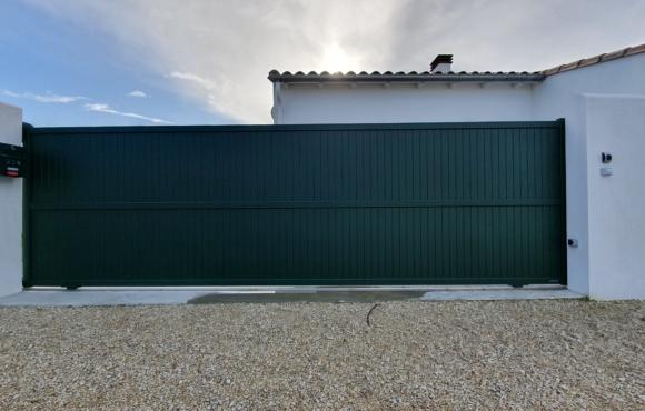 Portail Aluminium GLASGOW – LA TOULOUSAINE – RIVEDOUX PLAGE (ILE DE RE)