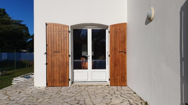 porte-fenetre-mixte-bois-aluminium-meo-rivedoux-ile-de-re-7
