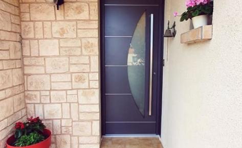 Porte d'entrée aluminium monobloc de 85 mm de marque K-LINE