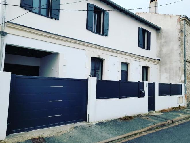 portail-cloture-portillon-aluminium-la-toulousaine-la-rochelle-17000