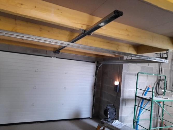 porte-garage-sectionnelle-la-toulousaine-la-rochelle-17000-hta