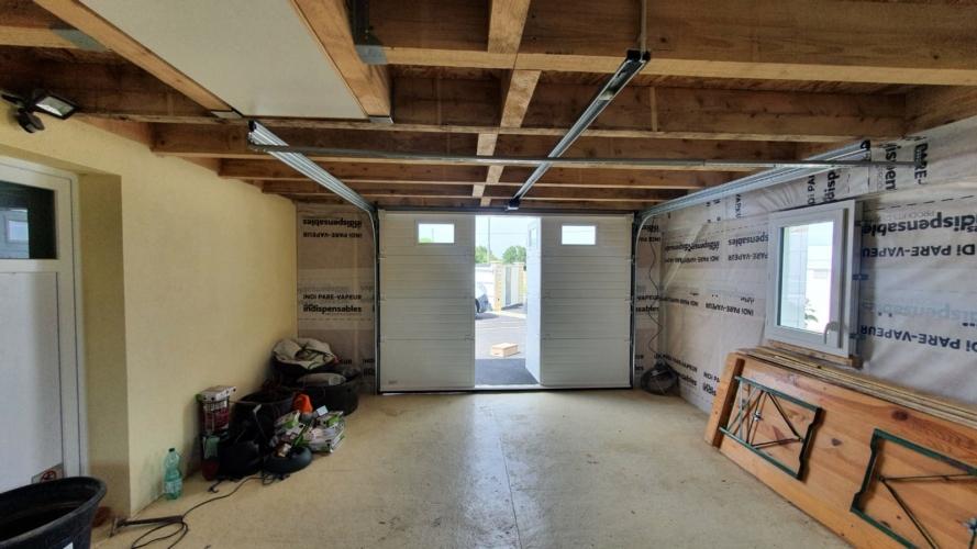 porte-garage-sectionnelle-portillon-toulousaine-rochelle-17000-hta-menuiserie