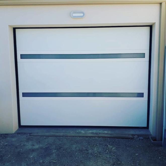 porte-garage-sectionnelle-visio-panoramique-toulousaine-la-rochelle-17000-hta