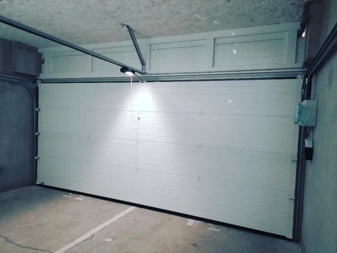porte-garge-sectionnelle-motorise-la-rochelle-17000-htaporte-garge-sectionnelle-motorise-la-rochelle-17000-hta